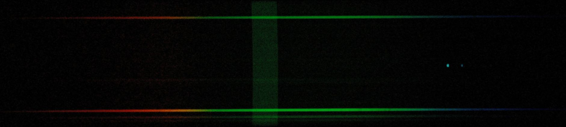 Phys508 night sky institute 2011 two stars spectrum with slit very wide open the sky glow from bend or is the vertical green band gamestrikefo Images